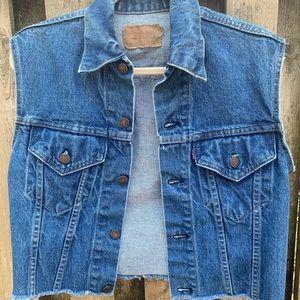 🇺🇸Rare/Vintage Levis Denim/cropped vest sz34